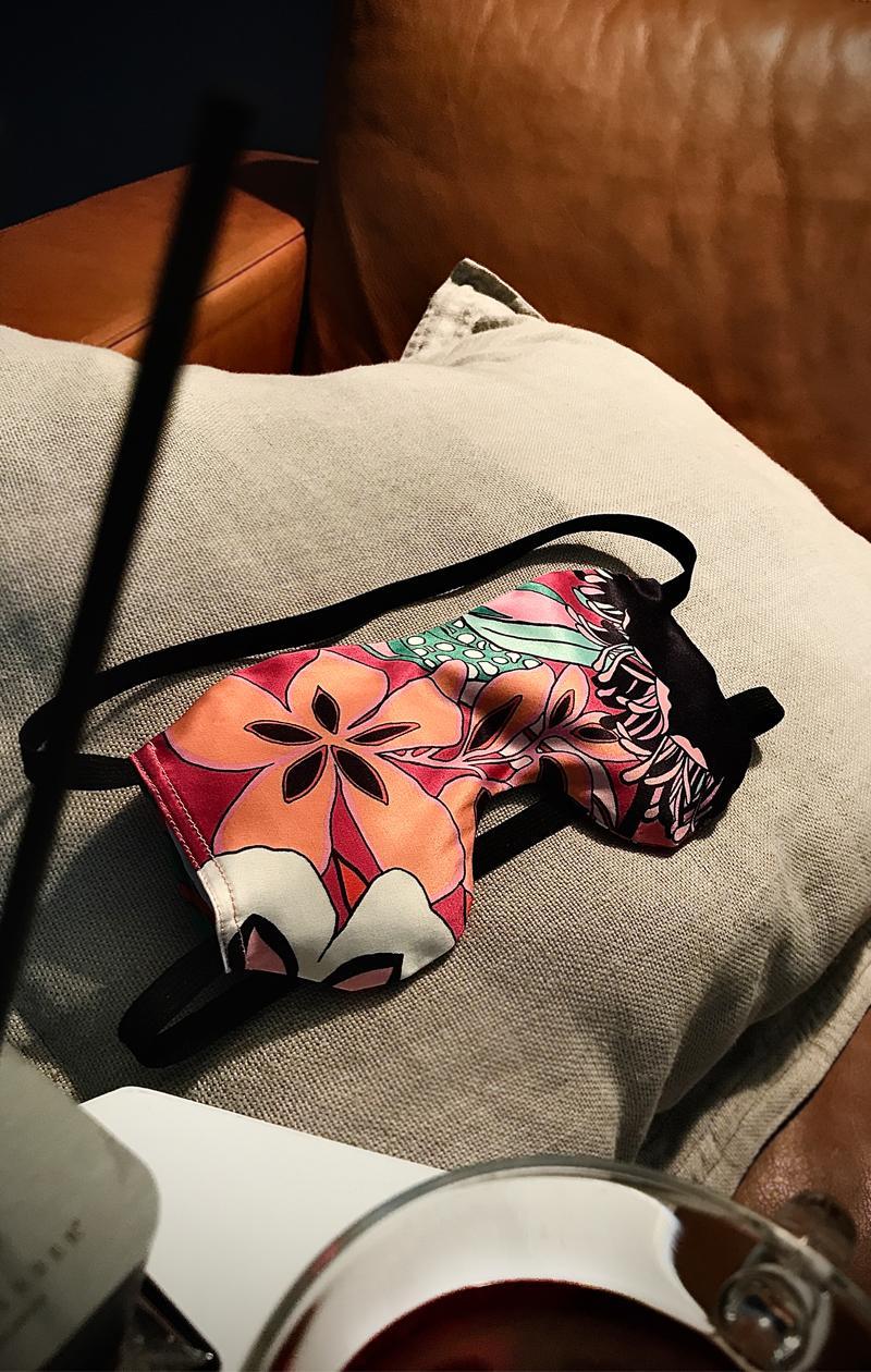 Schlafmaske FLOWER POWER aus Baumwollsatin mit Bio Lavendel und Leinsamen